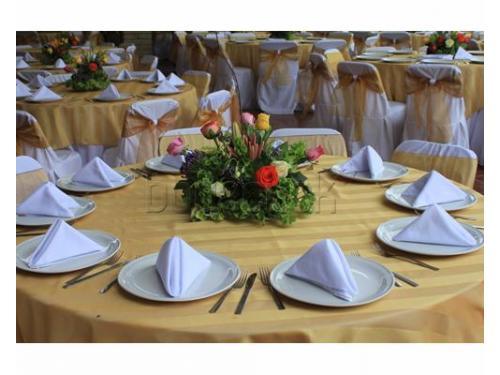Vajilla y mantelería para tu banquete de bodas