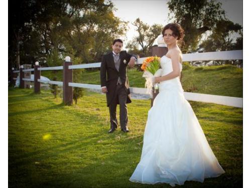 Los felices recién casados