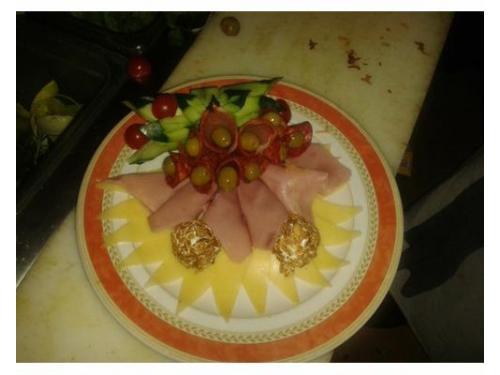 Plato mixto de carnes y quesos