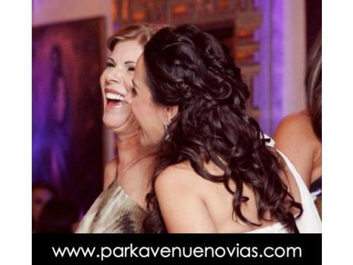 Peinado de novia tipo cascada