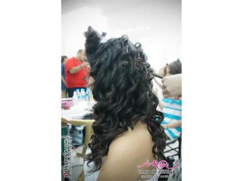 Peinado con rizos