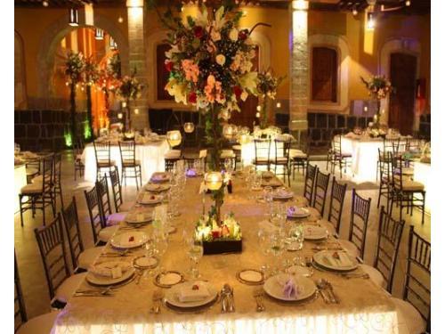 Altos centros de mesa florales