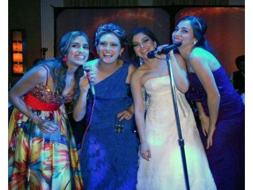 Cantando con la novia