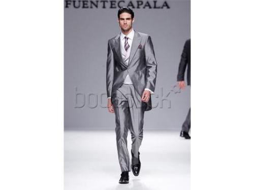 Traje en color gris