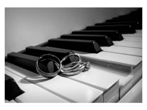 Anillos de matrimonio y una canción para recordar