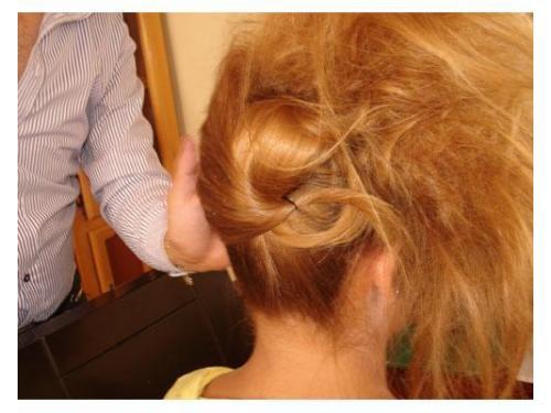 Detalle del peinado