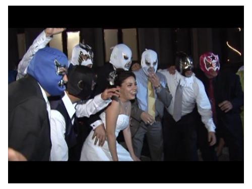 Baile con máscaras de luchadores