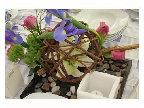 Esfera de vara con iris y rosas