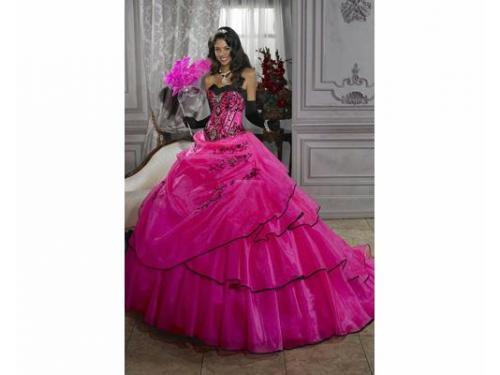 Vestido rosa con olanes