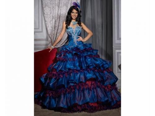 Vestido azul con tonos rosas