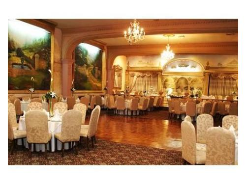 Elegante salón, estilo barroco