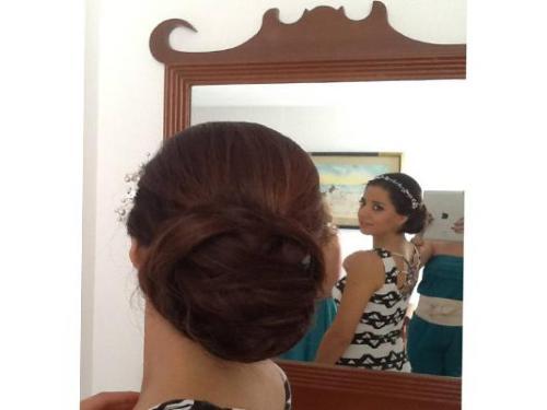 Peinado y maquilaje
