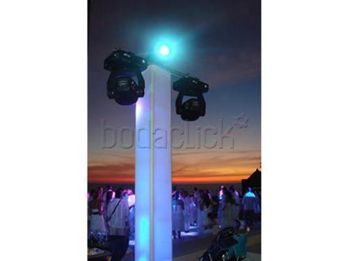 Montaje de luces al aire libre