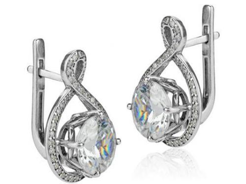 Aretes con diamante
