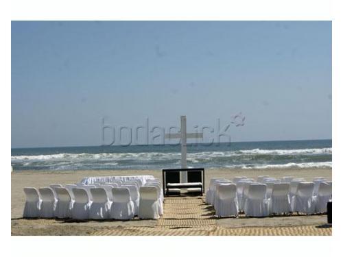 Tu ceremonia en la playa de día