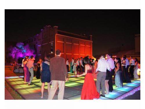 Iluminación y pista de baile
