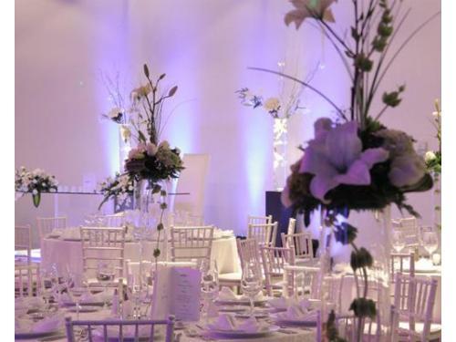 Centros de mesa con flores, ideales para una noche mágica