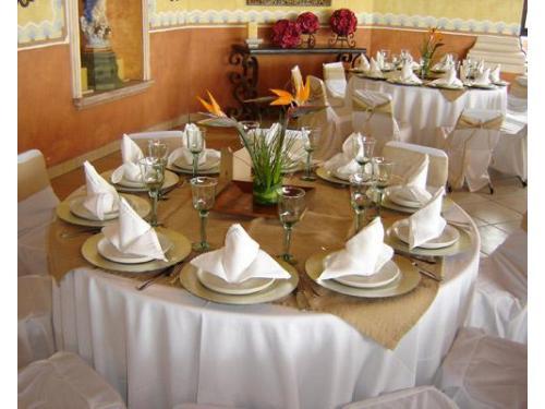 Decoración de mesas para la degustación del banquete