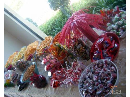 Deliciosos dulces para tu barra de postres