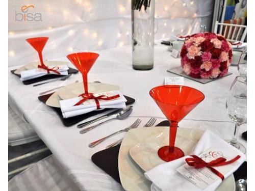 Dale un toque especial a tu decoración con éstas preciosas copas rojas