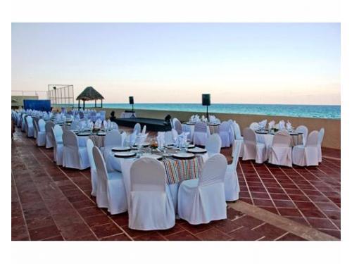 Montaje para banquete de bodas