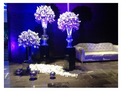Recepción vintage con flores