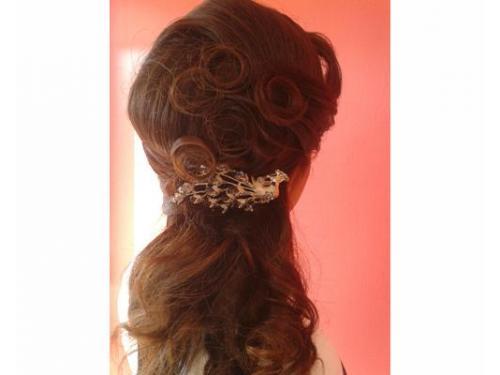 Peinado con broche