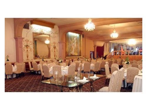 Bella decoración en el exclusivo salón para bodas