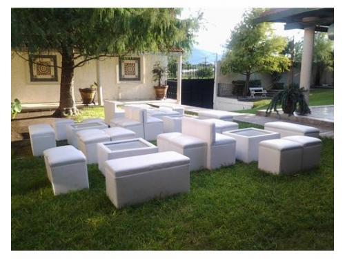 Mobiliario lounge en el jardín